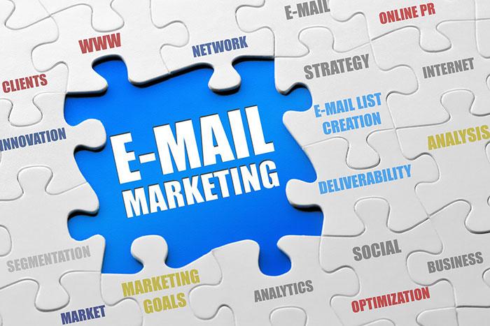 در یک پلتفرم بازاریابی ایمیلی ثبتنام کنید